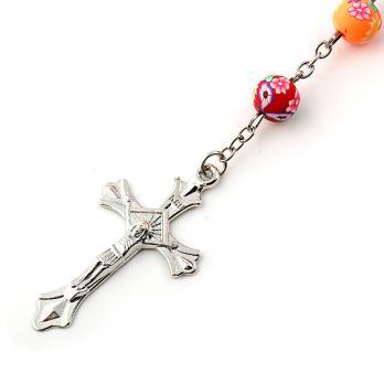 Крест с распятием на католических чётках